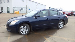 08 Altima - auto - LOADED - A/C - NEWER TIRES  ONLY 84,000KMS