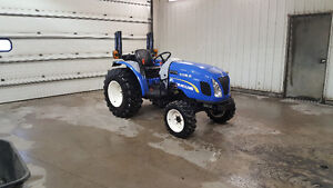 New Holland Boomer 24 or 30