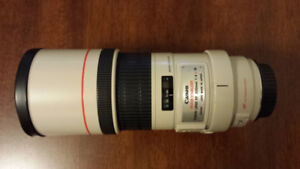 For sale : Canon 300mm f4IS lens in very good condition.