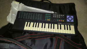 keyboard and bag for sale 20$