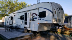 Fifth wheel Forest River Wildcat 32'