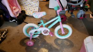 """Kids bicycle 12"""" 3 to 5yr old"""