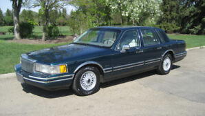 1992 LINCOLN TOWN CAR - JACK NICKLAUS EDITION - $2500