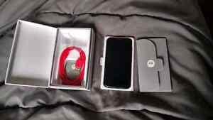 Motorola Moto X 1st gen déverrouillé//Avec boîte//Très bon état