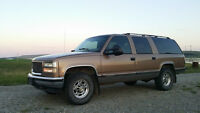 Highly customized 1995 GMC Suburban C2500 in exc cond