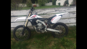 2013 YZ450 Fuel Injected LOW HOURS