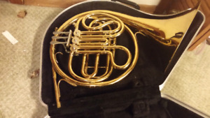 Conn 14D Single French Horn. With hard case.