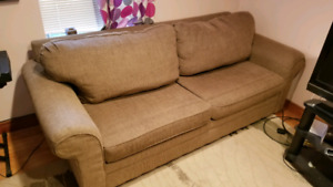 Chesterfield/Couch with Pullout Bed