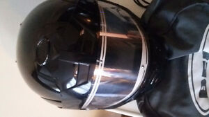 Two motorcycle helmets. Excellent condition Windsor Region Ontario image 2