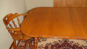 DININIG TABLE & CHAIRS MADE IN CANADA BUY ROXTON