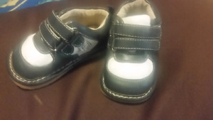 Baby squeaker shoes