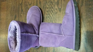 UGG boots fit sz 8..they are sz 7...mint Kitchener / Waterloo Kitchener Area image 7
