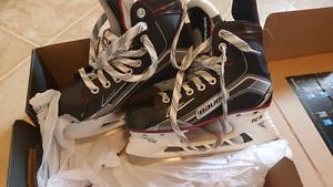 Bauer vapor skates brand new.
