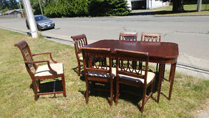 Kitchen Table and 6 Chairs (wood)