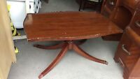 Small Antique Vintage Wood Coffee Table Claw-Foot