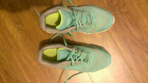 Champs running shoes. Excellent condition. Size 2 kids