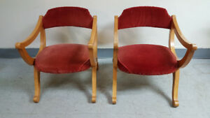 2 Henderson st lambert Quebec chaise vintage/Chairs