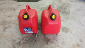 10L  gas cans