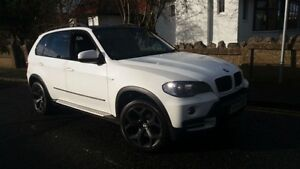 2007 BMW X5 4.8 = PANORAMIC SUNROOF = 7 Passanger = NAVI
