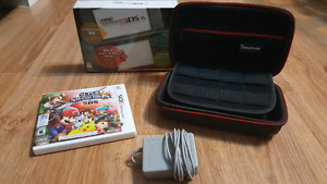 NINTENDO 3DS XL with box + 4 games + case + charger