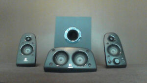Logitech Z506 5.1 Surround Sound Speakers (ONLY 3 OF 5 SPEAKERS)