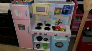 Kitchen sale 30% off @clic klak used toy warehouse