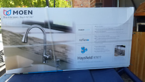 MOEN CHROME KITCHEN FAUCET - PULL DOWN HAYSFIELD