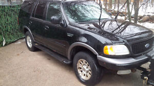2002 Ford Expedition XLT SUV, Crossover