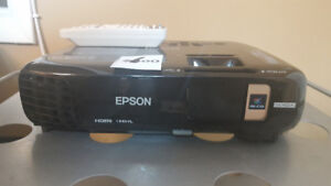 Epson EX7235 Pro Projector – NEW REDUCED PRICE!!!!
