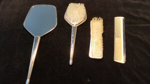 Dresser brush set