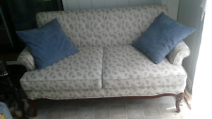 Queen Anne style loveseat