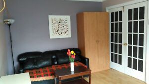 Now! Beautiful room! Weekly/monthly! All inclusive!
