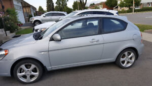 2010 Hyundai Accent GL Coupe (2 door)