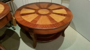 Coffee table with two tones of inlaid wood