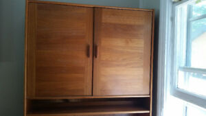 Hutch/buffet/book shelf/entertainment unit
