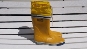 Rubber Sailing Boots size 9