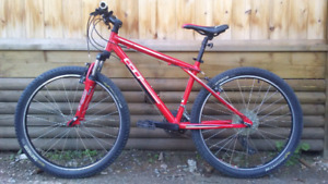 GT Aggressor 3.0 hardtail mountain bike (small frame);