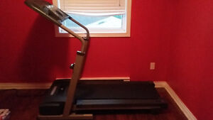 Treadmill in excellent condition St. John's Newfoundland image 1