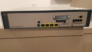 Cisco UC560 ,7937 with x2 Expansion Units 7915, x2 509G phones