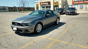 2014 Ford Mustang V6 Premium - Pony Package Coupe (2 door)