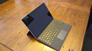 Microsoft Surface Pro, Intel Core i7, 8GB RAM, 256GB SSD