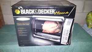 Black and Decker Rotiiserie Style Convection Oven- Never used