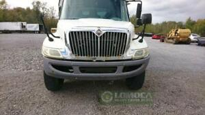 2006 international 4300  cab for parts