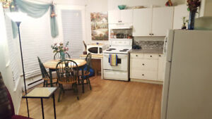 AVAILABLE NOW - 2bed in QUIET building w/ PARKING!