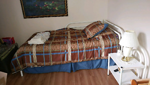 Twin bed, matress and table