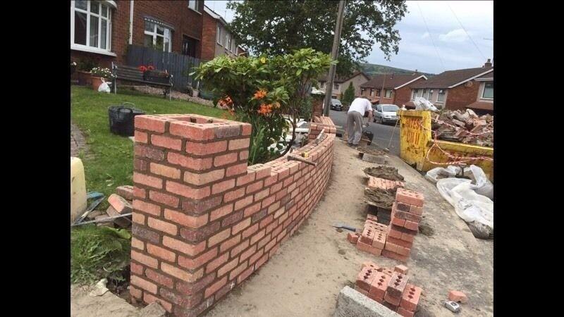 Bricklayers gang/ Murarz