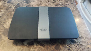 Cisco e4200 Router/Power Cord/Ethernet Cable