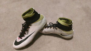 Nike Radiant Reveal Superfly soccer cleats size 7