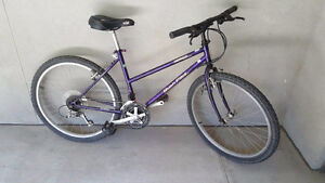"18"" Women's Norco Bush Pilot incl. Helmet, U-Lock & light"