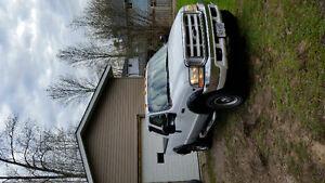 2000 Ford F-250 XLT 4x4 v10 Gas